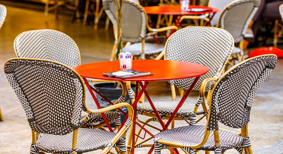 covid-19 outdoor seating safety tips